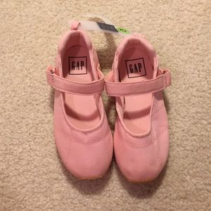 NWT baby Gap shoes size 10 & 5